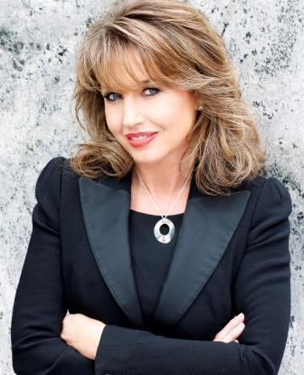 Paula Shugart Headshot