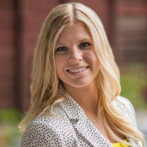 Hannah Leibinger Headshot (1)